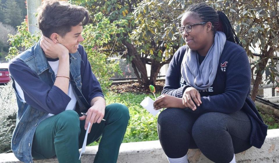 Peer Advisor and Student Meeting